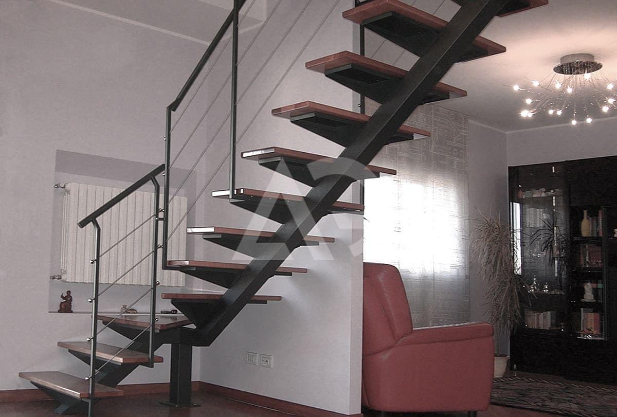 все фото лестниц на одном металлическом косоуре сами